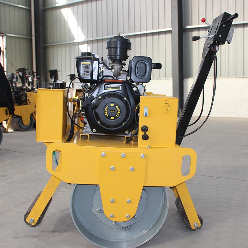 手扶式单钢轮压路机