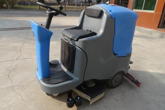 XL-860驾驶室洗地机/扫地机